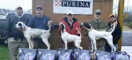 On right, Mark Fouts with Jordy (CH Elhew G Force x Northwoods Prancer, 2015).